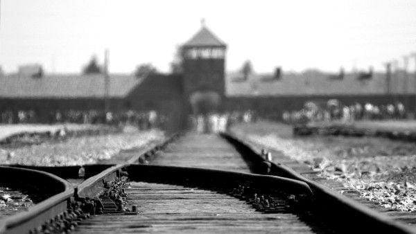 Jan Paweł II i Benedykt XVI w niemieckim obozie Auschwitz