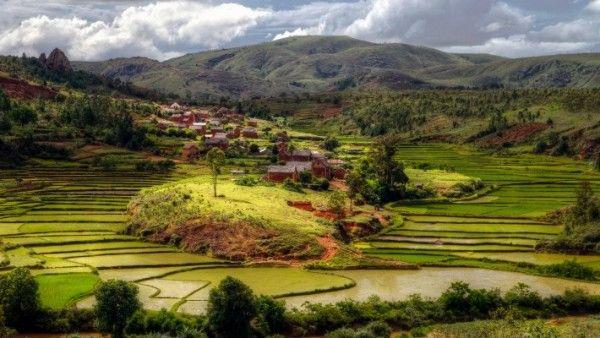Madagaskar. Święta ziemia
