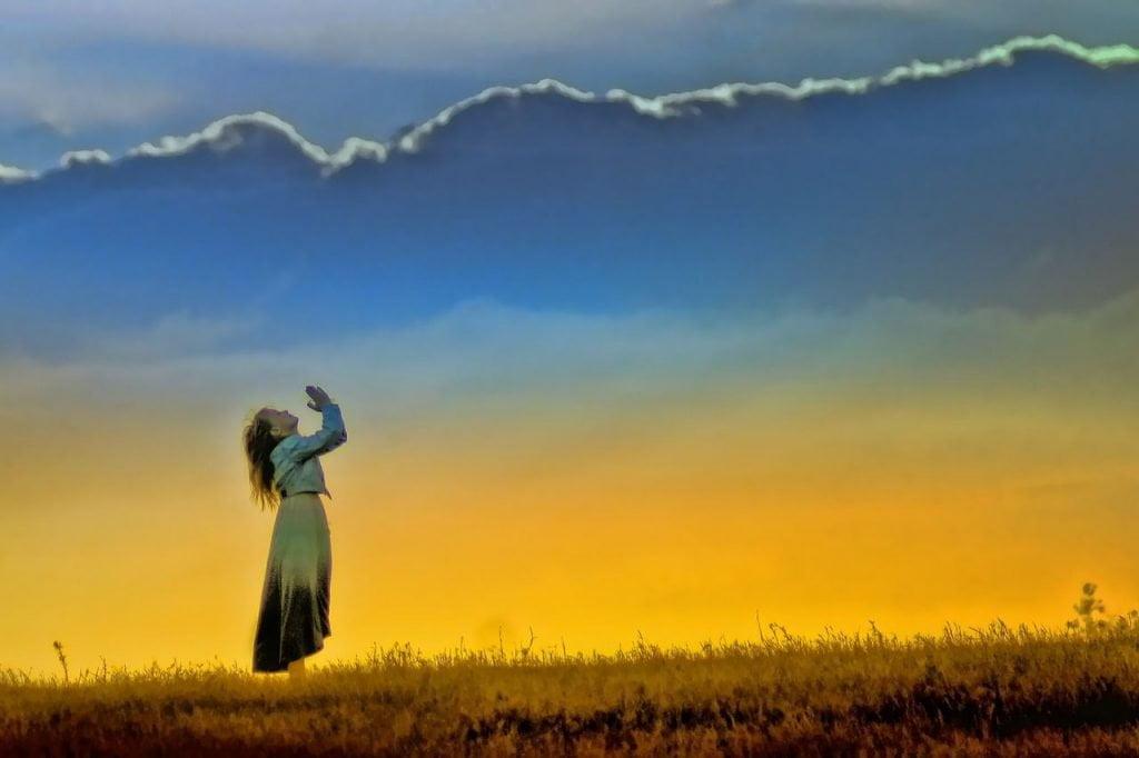 Znalezione obrazy dla zapytania uwielbienie boga
