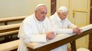 Franciszek: obecność Benedykta XVI towielkie wsparcie