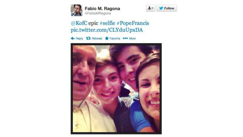 tt_selfie_papiez