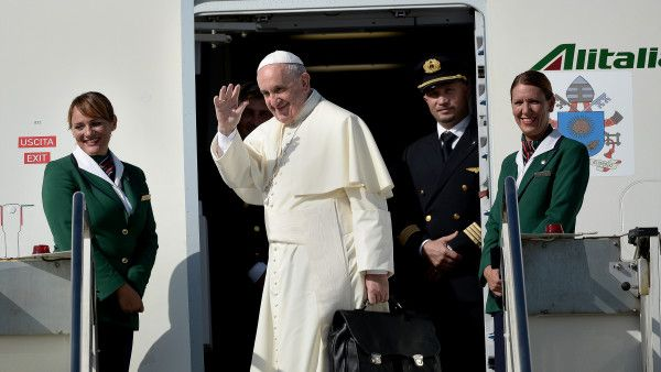 Pope Francis leaves Rome for Cuba