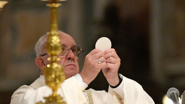 Pope Francis consecrates Bishop Monsignor Angelo De Donatis