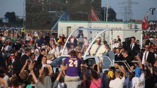 Papież domłodych: Kościół chce wsłuchać się wwasz głos