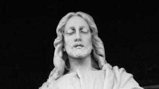 Jezus nie odsuwa bólu odrazu. On płacze ztobą
