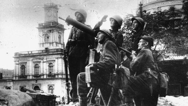wojna - Defenders_of_Warsaw_(1939)