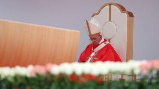 Papież oIraku: okrucieństwo wywołuje łzy, zostawia bez słów