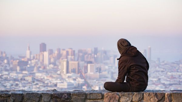 young-man-enjoying-moment-and-looking-over-the-san-francisco-picjumbo-com