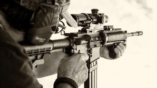 Shooting with AR15 assault rifle | Free Stock Photos