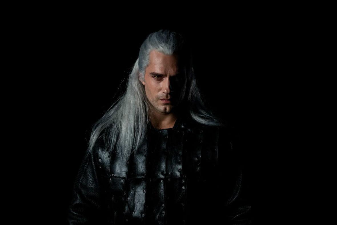 Prezentacja postaci Wiedźmina, wktórą wcielił się aktor Henry Cavill/ Netflix