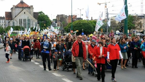150 tys. Polaków wzięło udział w Marszach dla Życia i Rodziny