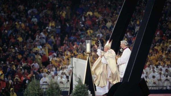 Abp Mokrzycki: Jan Paweł II - święty bardziej realny