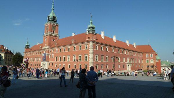CBOS: 55 proc. Polaków pozytywnie o działalności Kościoła