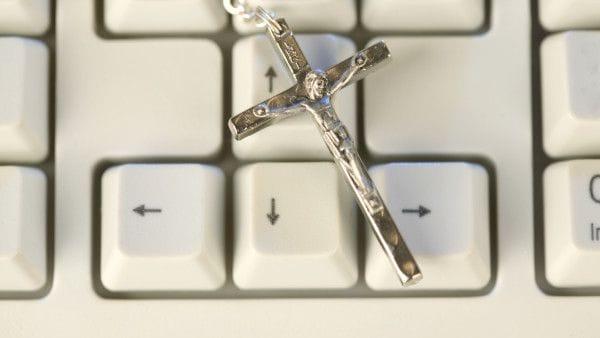 Czy warto przyznać się do wiary na blogu?