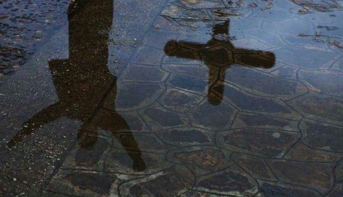 Dwie strony życia: Paradoksy wiary