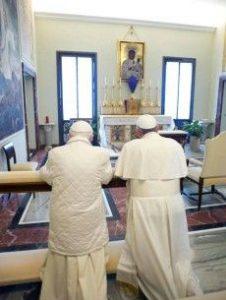 Dwóch papieży nakonsystorzu
