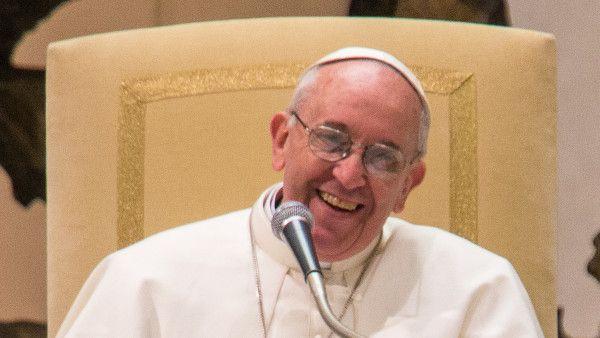 Franciszek do Polaków: Niech radość wielkanocnego poranka będzie waszym udziałem