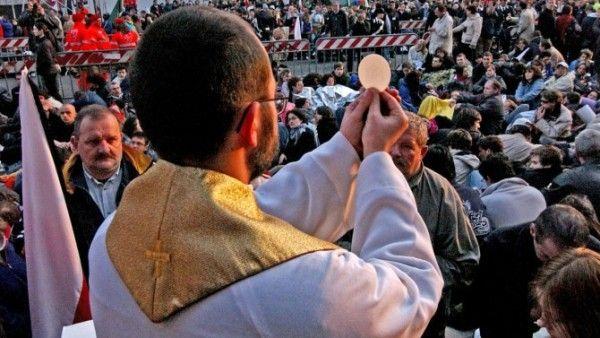 Kapłani proszą o modlitwę!
