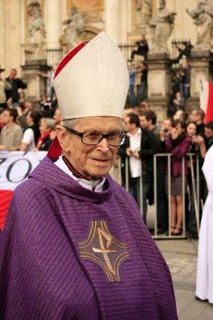 Kard. Macharski odznaczony Krzyżem Wielkim Orderu Odrodzenia Polski