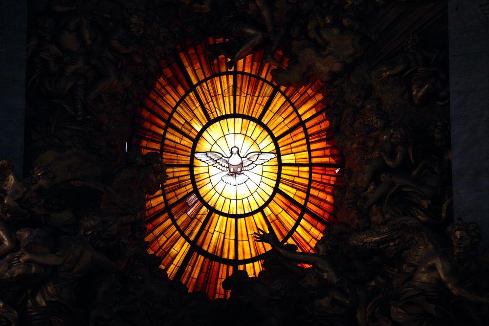 Kim jest Duch Święty? 7biblijnych faktów