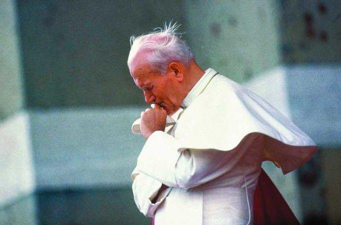 """Ks. Oder ofilmie """"Jan Paweł II - Santo subito. Świadectwa Świętości"""""""