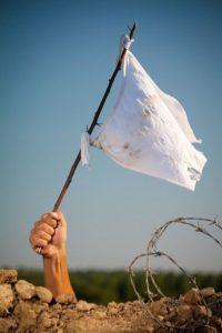 Niepokonany... czy w milczeniu białych haniebnych flag?