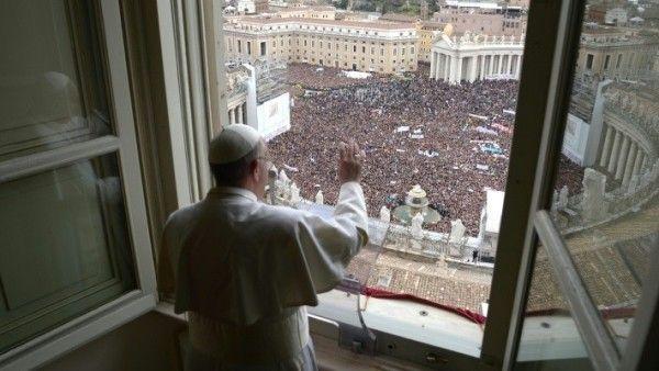 Papież prosi Polaków, by modlili się w jego intencji