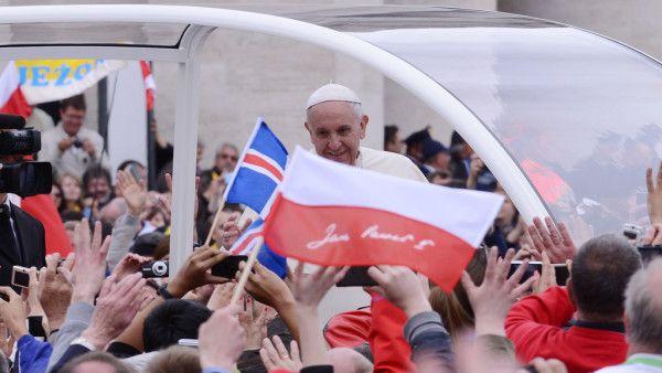 Papież prosi Polaków o modlitwę w intencji pielgrzymki do Ziemi Świętej