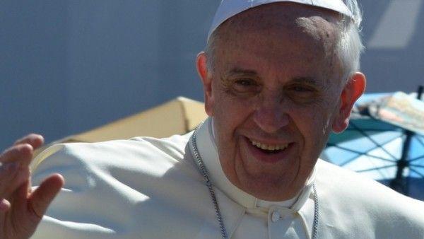 Papież: wiara czyni cuda, a nie służy robieniu interesów