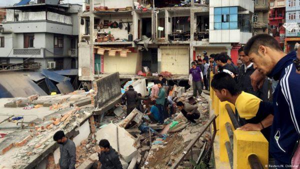 Polscy ratownicy medyczni już w Nepalu