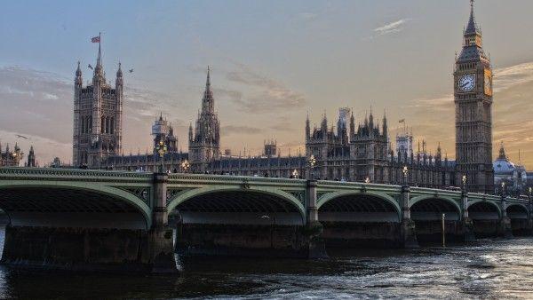 Premier Cameron: Wielka Brytania jest krajem chrześcijańskim