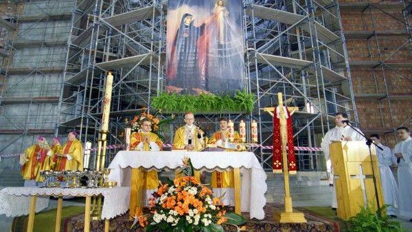 Święta i jej kardynał