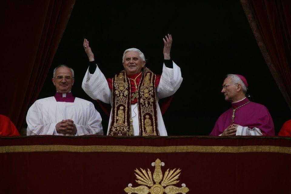 Trzech papieży, jeden program