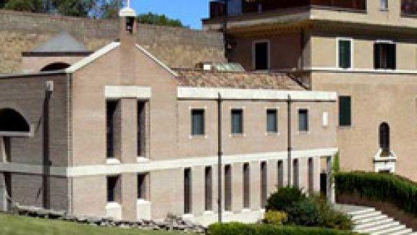 Watykański klasztor nowym domem Benedykta XVI