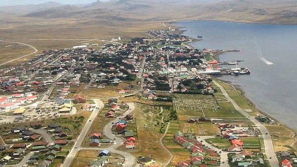 Więcej brytyjskich wojsk na Falklandach