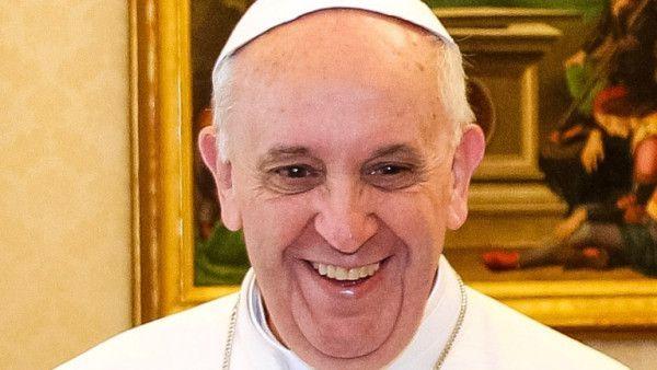 Benedykt XVI i Franciszek do narzeczonych