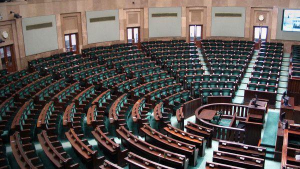 Episkopat: ostatnie decyzje Sejmu jednoznacznym aktem niewiary