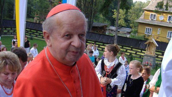 Kardynał Dziwisz od 10 lat ordynariuszem archidiecezji krakowskiej
