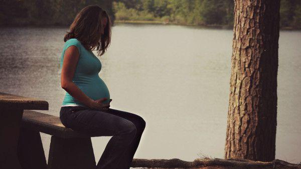 """Ustawa o in vitro daje możliwość """"kupienia"""" matki zastępczej"""