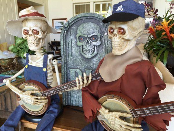 skeletons-1015990_1280