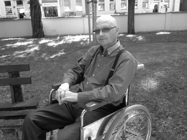 Ks.-Krzysztof-Syrek-SAC-POMAGAM__