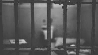 Więźniowie zróżańcem wobronie przedterroryzmem