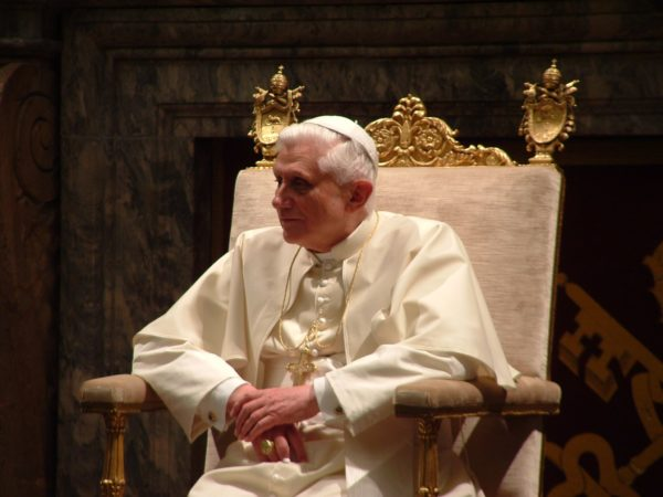Pope_Benedictus_XVI_january,20_2006_(7)