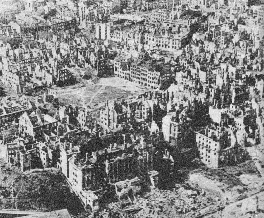 wojna- Destroyed_Warsaw,_capital_of_Poland,_January_1945