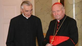 Kard. Marian Jaworski odznaczony Orderem Orła Białego