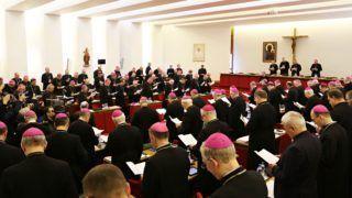 Episkopat rozpoczyna obrady: Rodzina, małżeństwo, rozwiedzeni