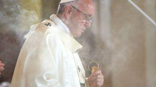 Papież doPolaków: zawierzajmy życie Matce Bożego Syna