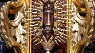 Relikwie Gwoździa zKrzyża Pańskiego wkatedrze naWawelu
