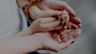 """""""Różaniec miliona dzieci"""" – modlitwa zarówieśników wSyrii"""