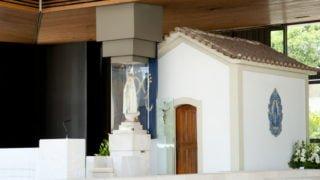 Modlitwa Papieża wkaplicy Objawień: błagam ozgodę pomiędzy narodami